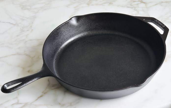 How to clean cast iron